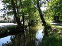 Pod sádkami v Bohdanči je na Opatovickém kanále již dobře pozorovatelný úbytek vody.