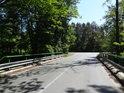 Silniční most přes Opatovický kanál od obce Dolany směrem na obec Hrádek.