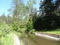 Nad akvaduktem, který převádí Opatovický kanál přes Sopřečský potok.